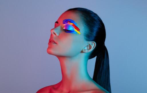 Renklenmeye Ve Işıldamaya Hazır Olun: 2021 Makyaj Trendleri
