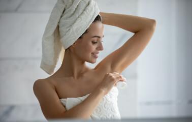 Antiperspirant ve Deodorant Arasındaki Fark Nedir?
