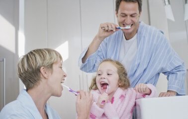 Dişler Nasıl Fırçalanmalı?