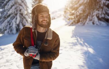 Aksesuarın Gücü: Erkeklere Özel Kışlık Şapka Rehberi