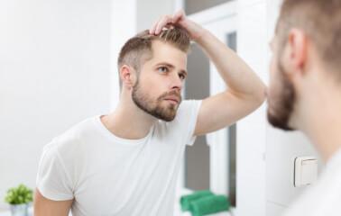 Saç Dökülmesinin Duygusal Etkileriyle Nasıl Başa Çıkılır?